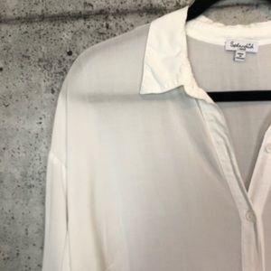 Splendid Tops - Splendid // Crisp White Button Down Blouse